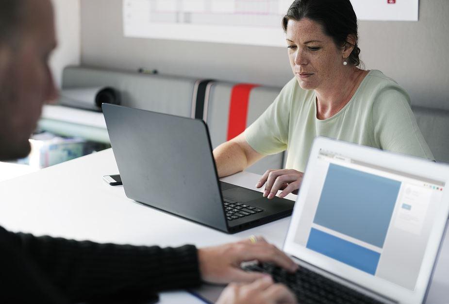 La digitalización es la materia pendiente de las empresas españolas